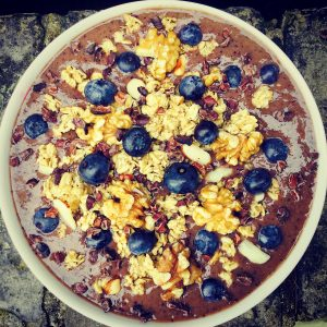 healthy nutritious smoothie cereal granola