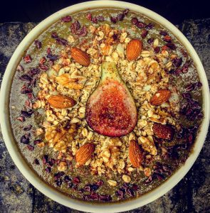 healthy nutritious smoothie bowl granola