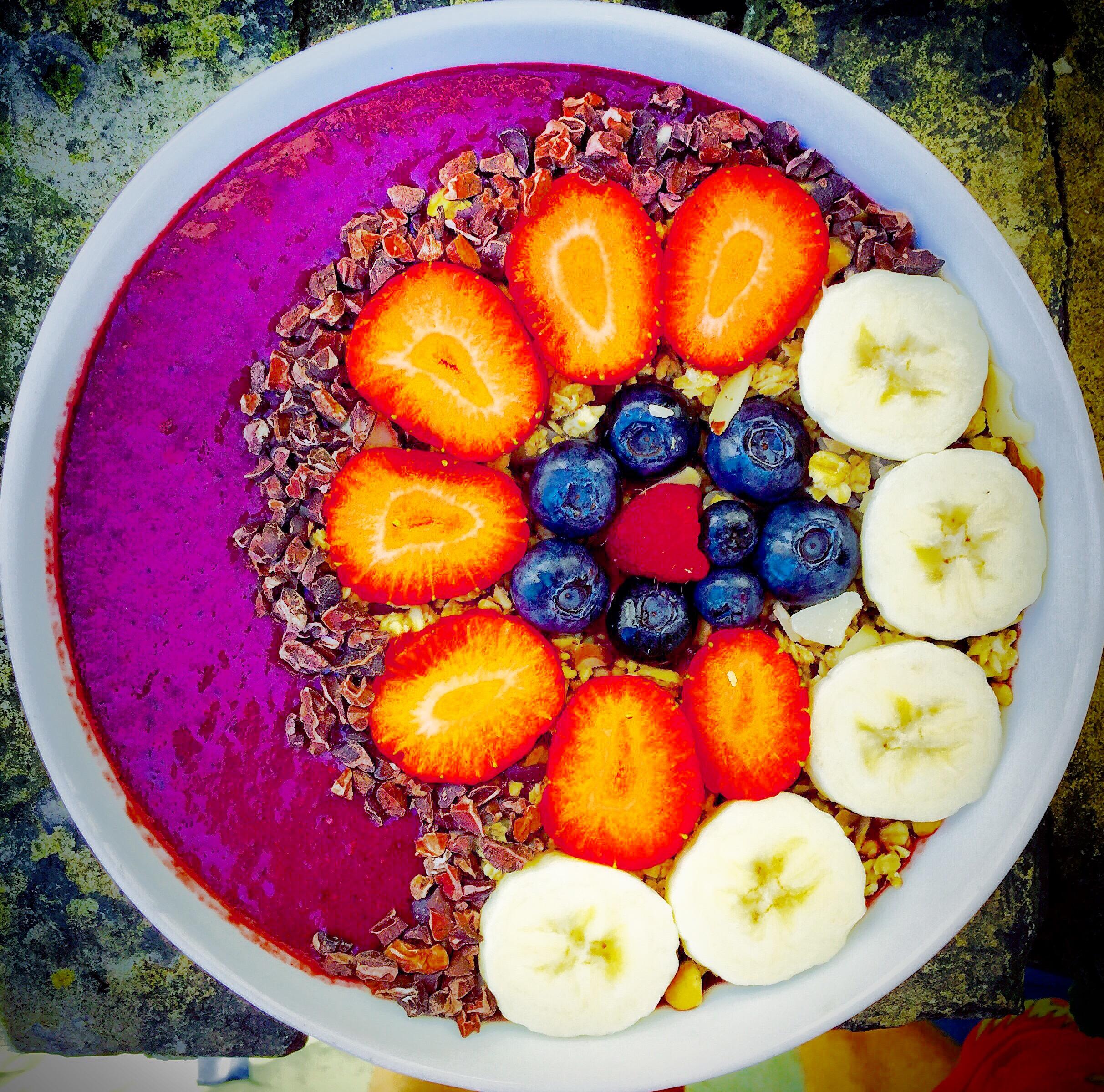 healthy dessert smoothiebowl