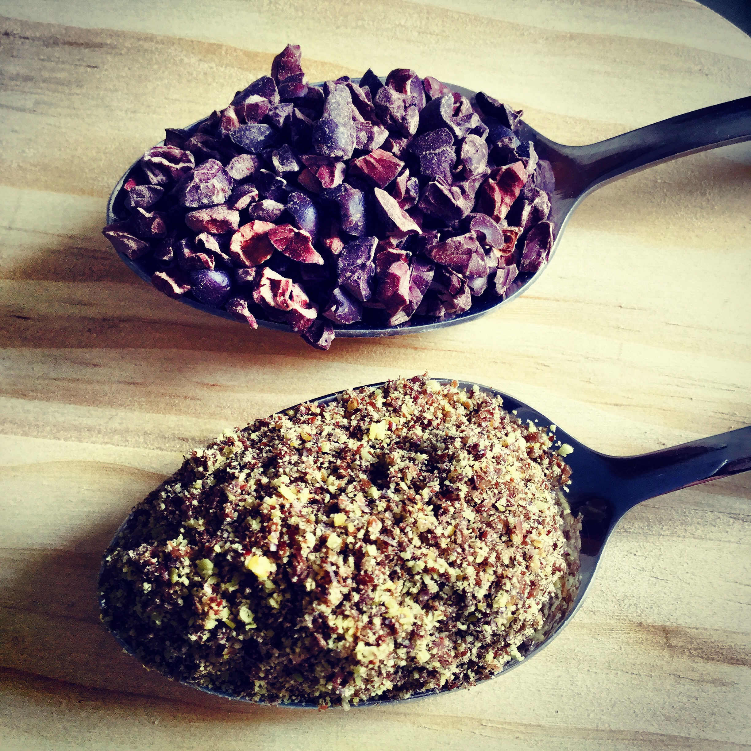 raw cacao flax seeds