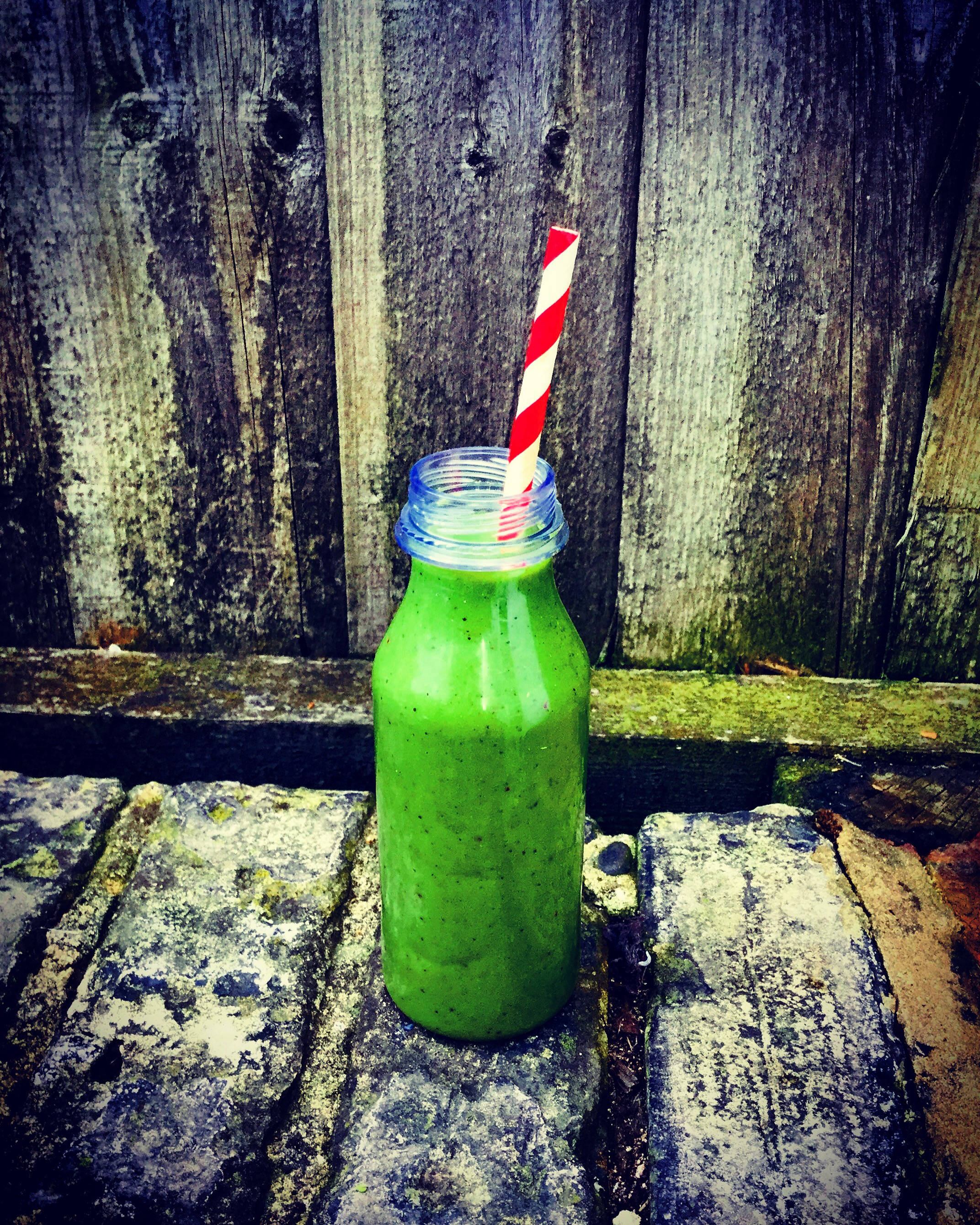 nutritious healthy autumn green smoothie