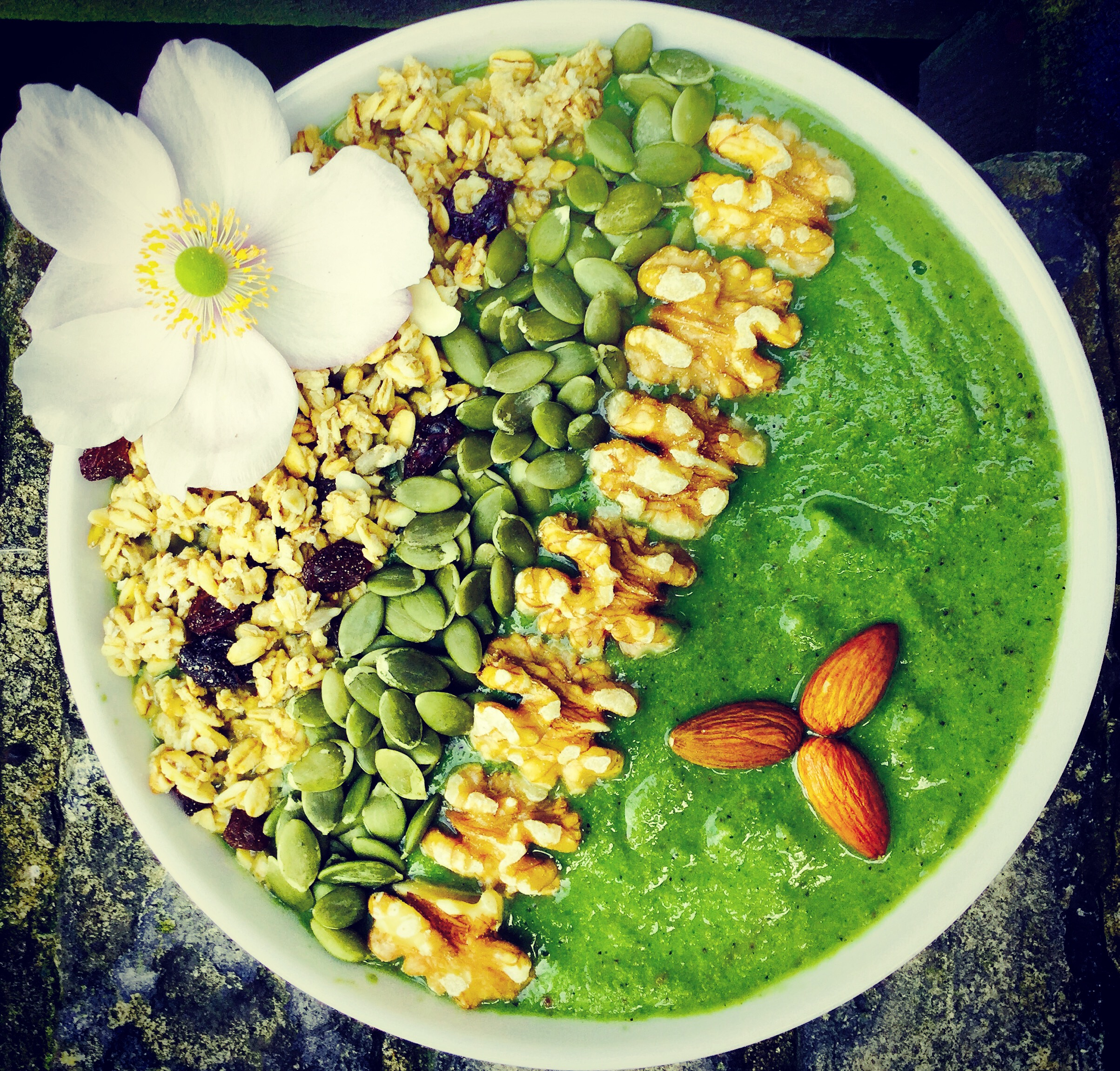 nutritious healthy autumn green smoothie bowl