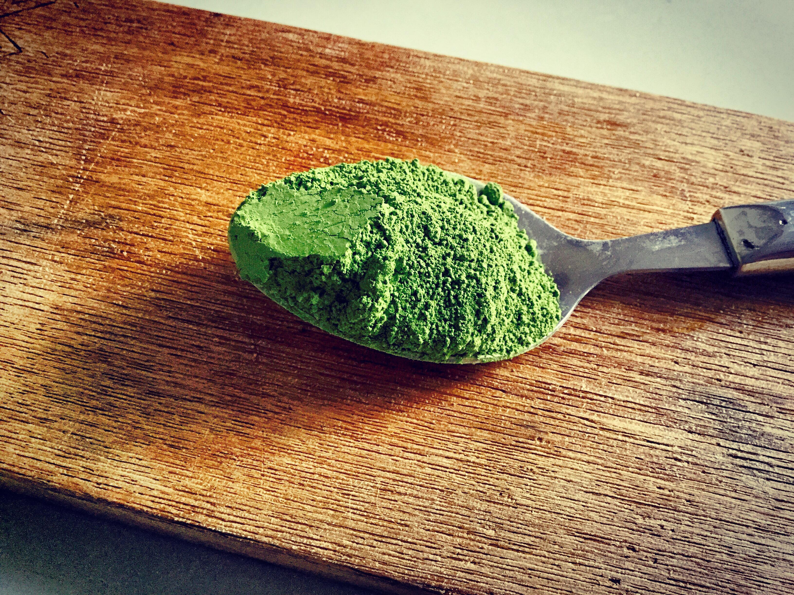 best green matcha smoothie bowl